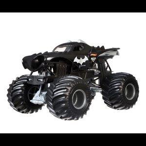 New Hot Wheels Batman Monster Truck 1:24